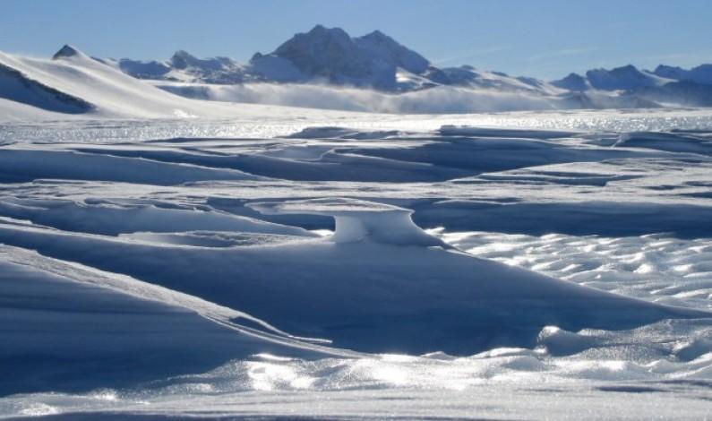 Clima: l'Antartide si sta sollevando
