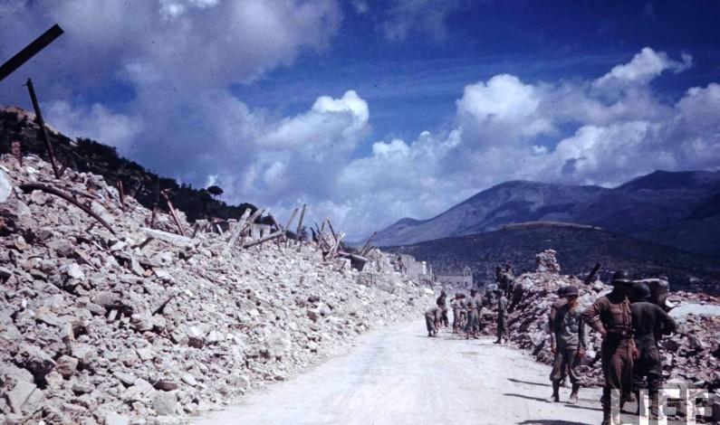 Formia, 18 maggio 1944, passaggio truppe alleate in via Vitruvio