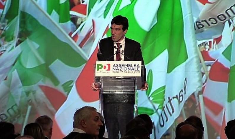 """Mille delegati all'Ergife di Roma. L'Assemblea prima si divide poi vota all'unanimità la relazione del reggente che avverte: """"Se tocca a me, tocca a me"""""""
