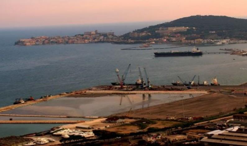 Il futuro del nostro Golfo non può essere oggetto di negoziazione e di campanilismo: il pontile idrocarburi Eni Petroli off-shore è l'unica ipotesi possibile.