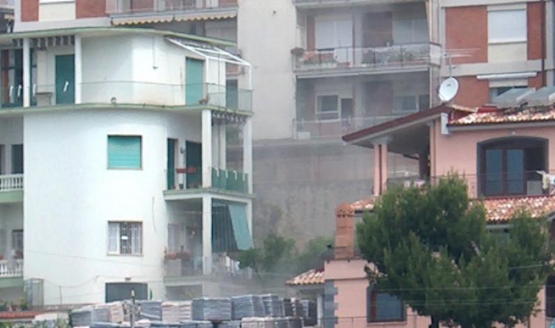 LA BOMBA – ALCUNE FOTO ED UN ARTICOLO SULLA RIMOZIONE DI UN ALTRO ORDIGNO NEL 2005
