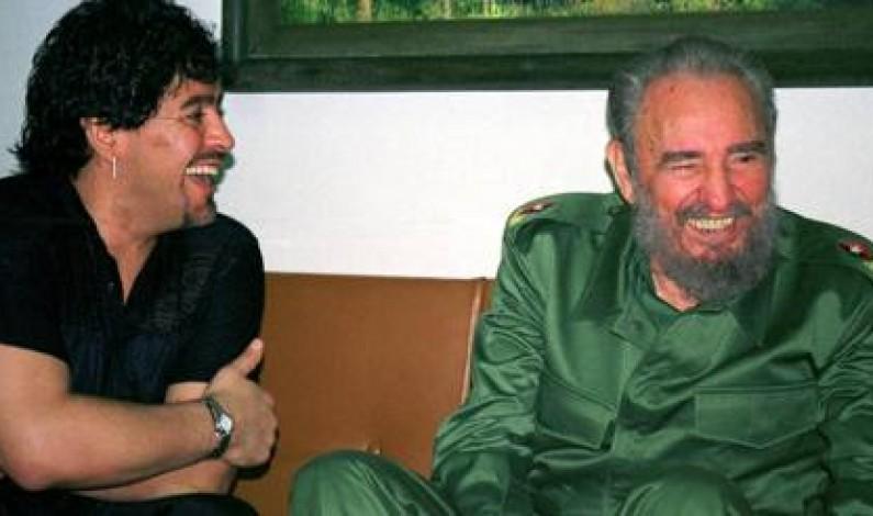 L'addio a Maradona nello stesso giorno dell'amico Fidel Castro e di George Best